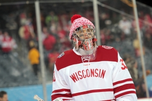Hockey City Classic: Minnesota vs. Wisconsin. Larry Radloff Photo
